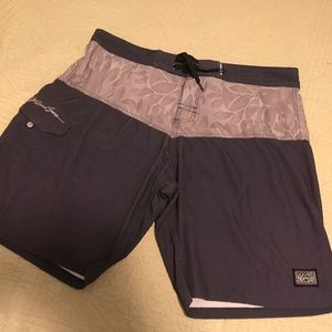 Men's Maui and Sons shorts